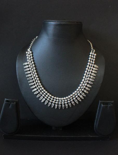 Oxidised Silver Kolhapuri Neckpiece | kauracious.com