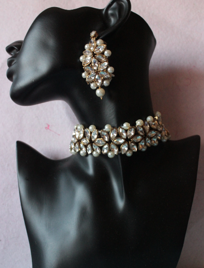 Regular Kundan artficial pearl studded necklace set | Kauracious.com
