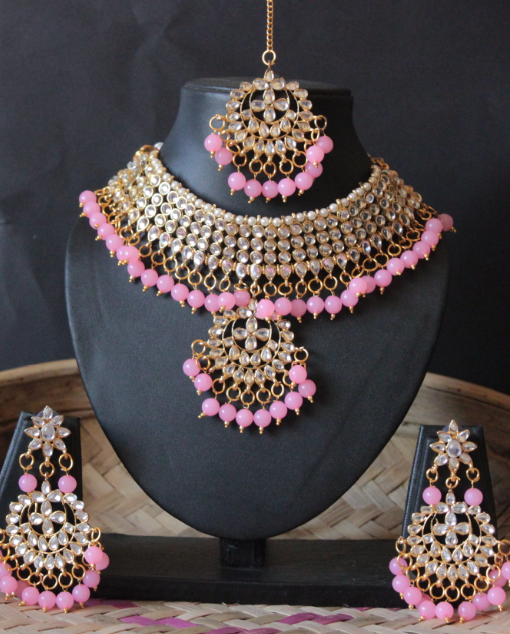 Regular kundan studded baby pink beads choker set with maang tikka  | kauracious.com
