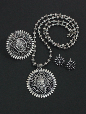 Durga Carved Beaded Neckpiece Set With Floral Studs & Oversized Ring (37.5 CM) | Kauracious.com
