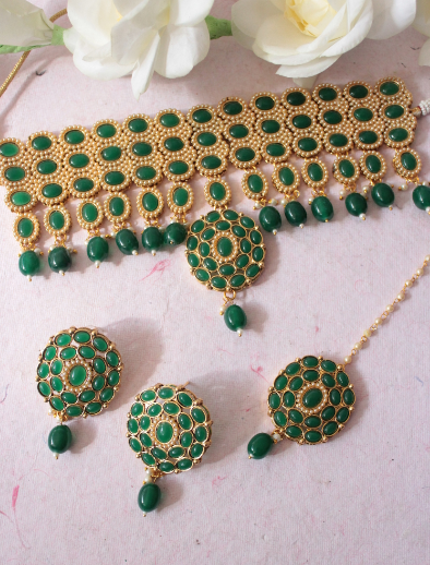 Regal inspired green choker set | kauracious.com