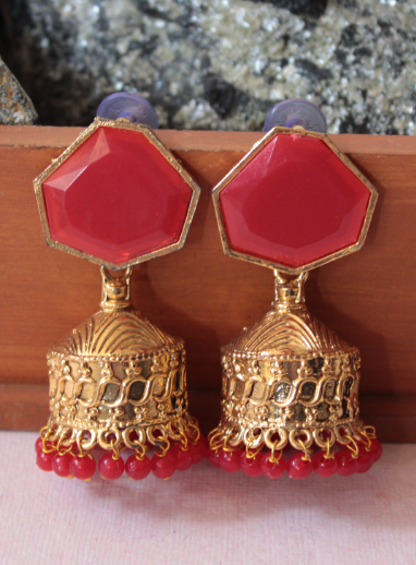 Red Geometrical Shaped Traditional Jhumka | kauracious.com