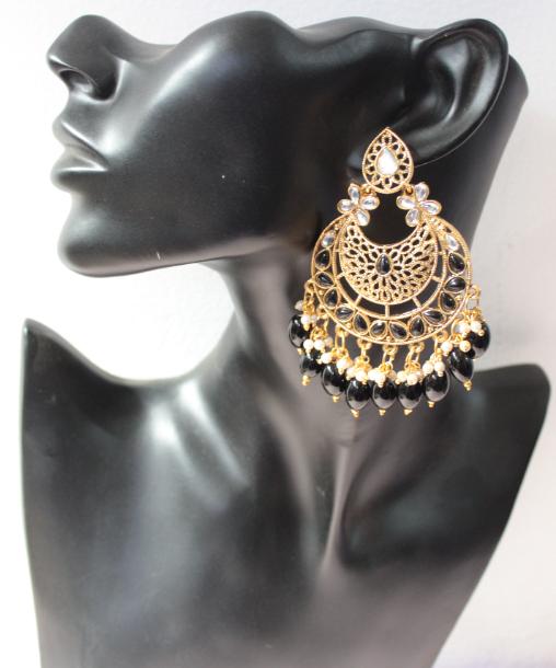 Black Beads Maang Tikka Set | Kauracious.com