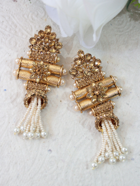 Gold based taveez shaped long traditional earrings | Kauracious.com