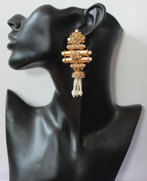 Gold based taveez shaped long traditional earrings | Kauracious.com