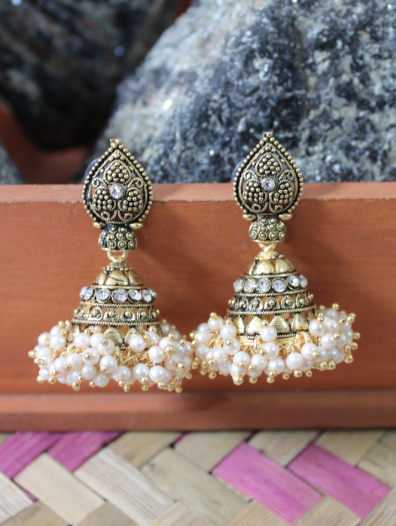 Mini Pearl Jhaalar Earrings | kauracious.com