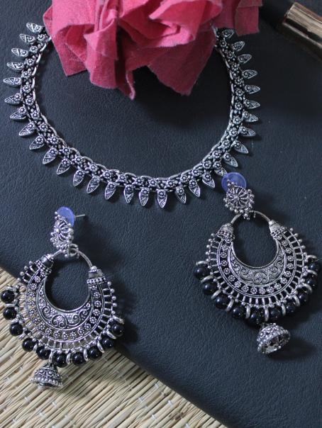 Kolhapuri Set with Afghani Black beads chandbali | kauracious.com