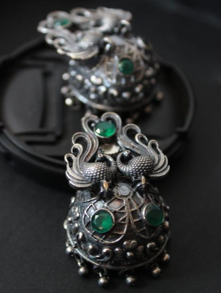 Silver lookalike faux emerald studded jhumka | Kauracious.com