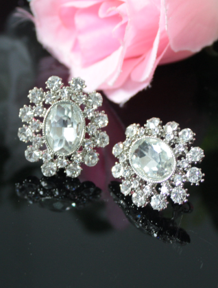Floral shaped big sized stud earrings | kauracious.com