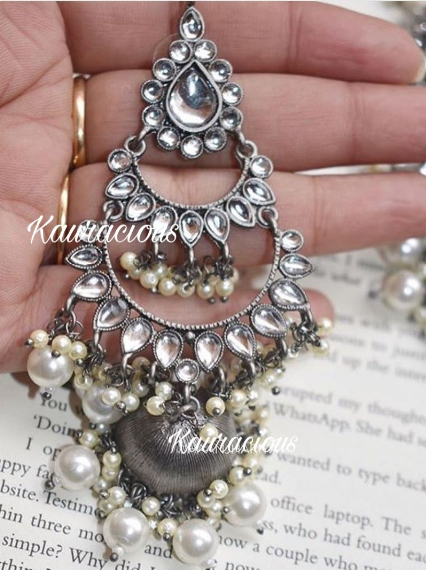 Floral layered Kundan Studded Black metal Jhumki Earrings | Kauracious.com