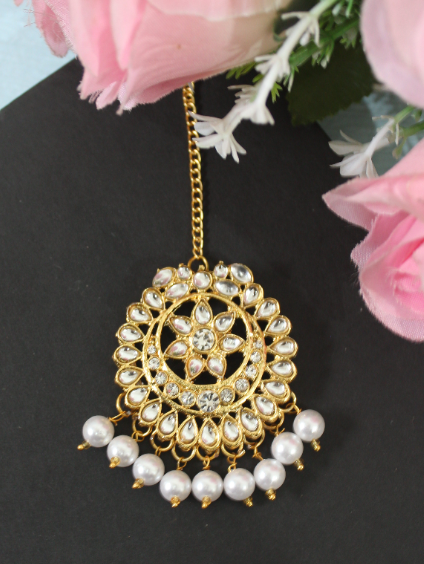 Faux Kundan & Stone Studded Floral Maang Tikka | kauracious.com