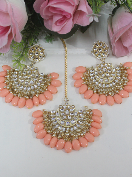 Floral stud style beads studded kundan maangtikka set | kauracious.com