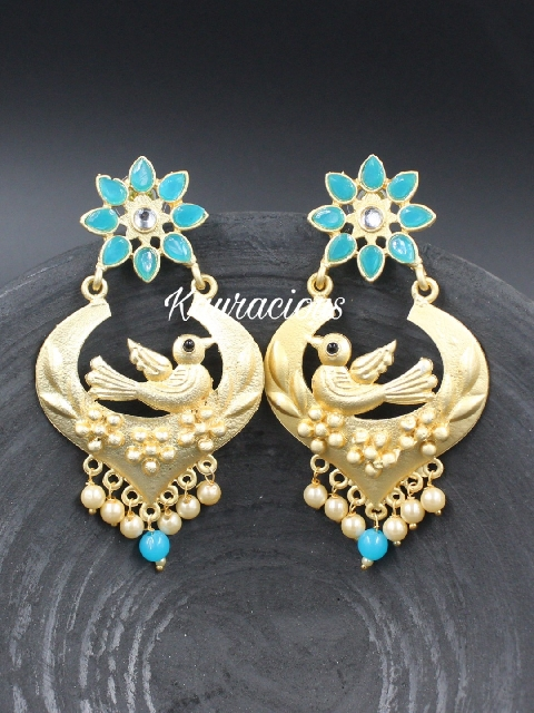 Matte finish gold toned floral chandbali Earrings | Kauracious.com