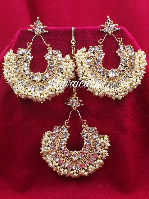 Pearl beaded oversized traditional maang tikka set. | kauracious.com
