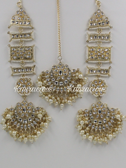 Kanpatti Kundan Earrings With Maang Tikka Set | kauracious.com