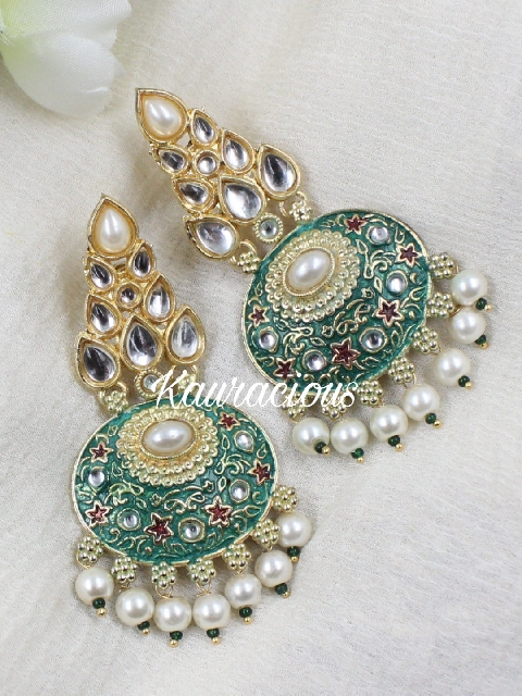 Green Gold-Platted Faux Stoned Kundan Traditional Earrings | Kauracious.com