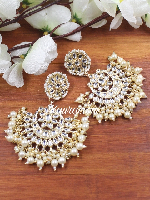 Floral Stud style Kundan Earrings | Kauracious.com