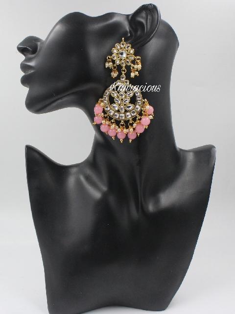 Faux Kundan Studded Maang Tikka Set Earrings | Kauracious.com
