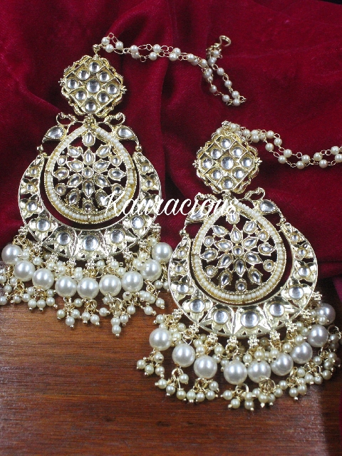 Oversized Kundan Earrings with Saharas | Kauracious.com