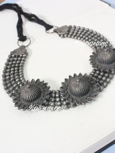 Silver Look alike choker | kauracious.com