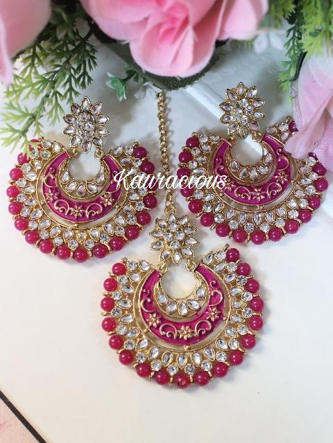 Rani Pink Kundan And Meenakari Oversized Maang Tikka Set | kauracious.com