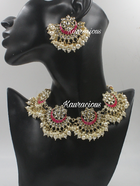 Floral Pattern Necklace set with earrings | kauracious.com