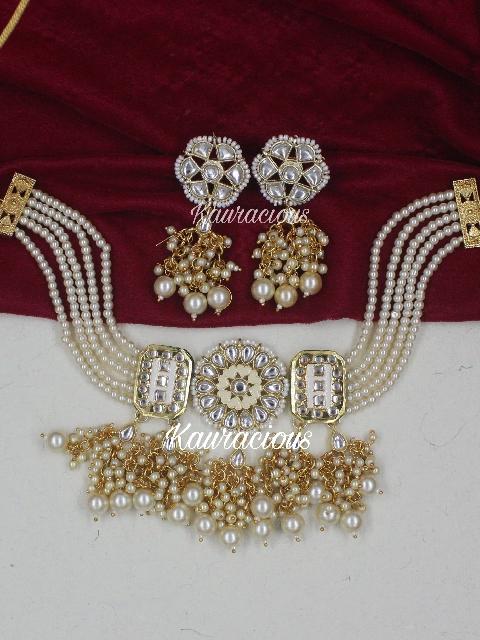 White Beaded Kundan Choker Set With Earrings | kauracious.com