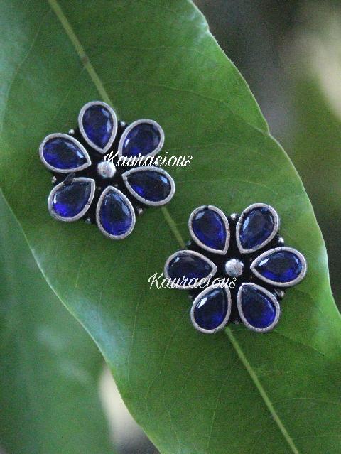 Brass Based Floral Studs Earrings | kauracious.com