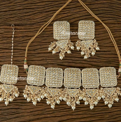 Rectangular Stud Style Beads Beaded Kundan Choker Set with Earrings & Tikka | kauracious.com