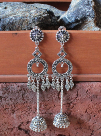 Brass based chain jhumki earrings | Kauracious.com